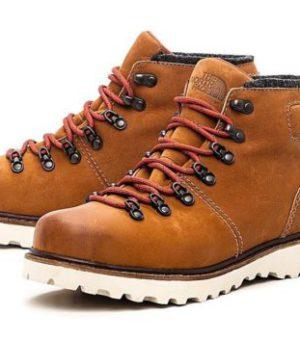 Спортивные ботинки (простая)